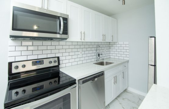 1720 NE 13th St &#8211&#x3B; Unit # 3
